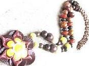 grOs collier avec grOsse fleur