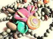 Collier perles avec fleur