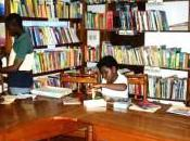 Cameroun bibliothèques Yaoundé mettent mode défensif