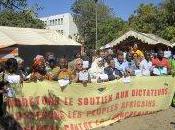 [Observatoire dictatures] Alors qu'au Maghreb dans reste l'Afrique vent libération gronde, France sourde