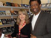 Vidéo officielle Éditions Dédicaces étaient présentes Salon livre Trois-Rivières 2011 Québec)