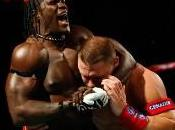 R-Truth joue John Cena