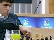 Echecs Roumanie Magnus Carlsen leader 3.5/5
