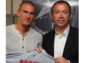 Officiel: Nicolas Douchez signe