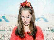 Découverte: Entre chanteuse trouve Lana