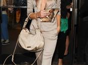 Rosie Huntington-Whiteleyp pour présenter parfum Burberry Body!