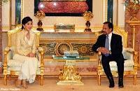 Yingluck voyages officiels chez voisins
