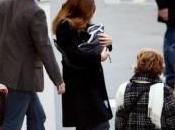 Carla Bruni-Sarkozy Sortie clinique avec petite Giulia