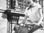 L'automne scooter avec l'élégance d'Audrey Hepburn