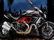 voir salon moto Milan 2011: Ducati Diavel