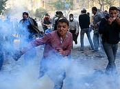 Égypte, affrontements s'intensifient place Tahrir