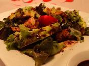Salade poulet sauce chocolat noir
