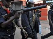 Sénégal police omniprésente Dakar empêche tout rassemblement citoyen.