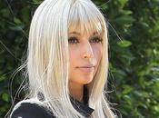 Kardashian s'essaye Blond Platine