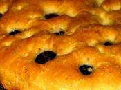 Focaccia herbes olives
