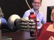 Lutter contre paralysie l'aide d'un bras robotique