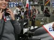 encourage l'aspect féminin avec (Woman Motorsport Commission)