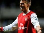 Arsenal Bendtner vers Malaga