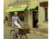 Anjou vélo vintage devant biscuiterie Fontevraud