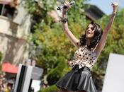Cher Lloyd performe Grove pour Teen Vogue Back School
