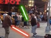 altercation Time Square devient affrontement Jedi