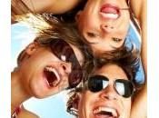 amis sont-ils heureux d'être amis?