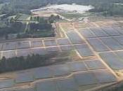 Insolite ferme solaire géante d'Apple ciel