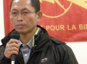 France Aung communauté birmane accueilli Paris célèbre leader étudiant birman Gyi. Après longues années prison, continue battre non-violence pour démocratie, paix droits humains