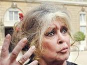 Brigitte Bardot supporte plus pays»