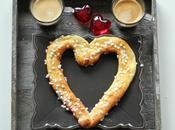 Petit-déjeuner spécial Saint-Valentin pâte choux cœur partager