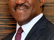 Adebayo ogunlesi businessman d'origine africaine achete gatwick, plus grands aeroports monde