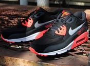 Nike Essential Black Infrared