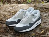 Nike Essential Grey White