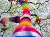 """Knit graffiti"" ""Yarn bombing"""
