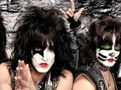 Kiss lance propre équipe football