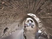 traces sociale romains dans anciens couloirs Metropolis