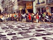 Marche 2500 visages collés République Lyon
