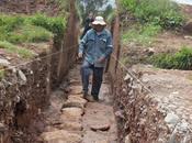 canal Inca mètres long découvert Sacsayhuaman près Cuzco