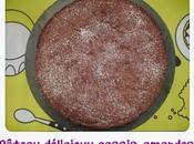 Gâteau délicieux cassis-amandes
