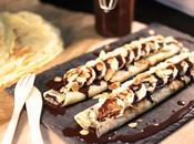Crêpes sauce chocolat, bananes amandes effilées
