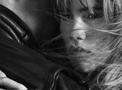 Brit Rhythm Burberry sort dans version féminine