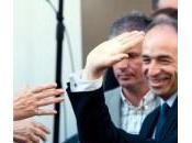 Nicolas Sarkozy soutiens développent story-telling sauveur