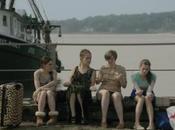 Critiques Séries Girls. Saison Episode Beach House.