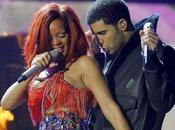 Vidéo Rihanna débarque concert Drake