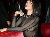 Rihanna escortée police pour... Manger restaurant