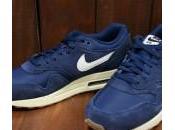 Nike Essential Navy Suede