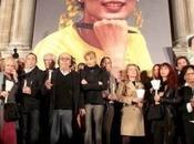 BESOIN VOUS. L'inlassable action bénévoles donateurs France Aung