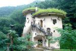 Voici maisons plus étranges féeriques monde