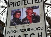 détourne pancartes surveillance voisinage