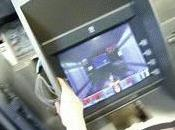 hacker intègre vidéo dans distributeur billets